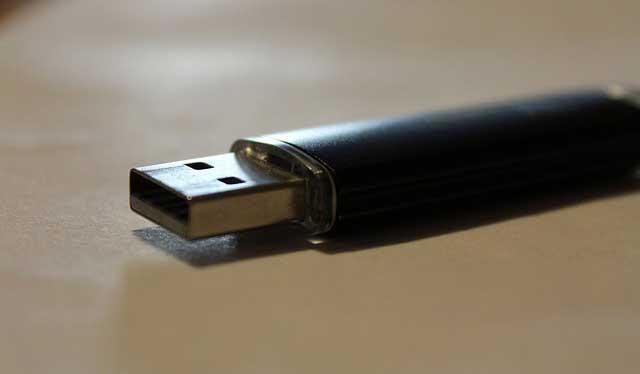 Cara Mempercepat Flashdisk untuk Transfer File Besar